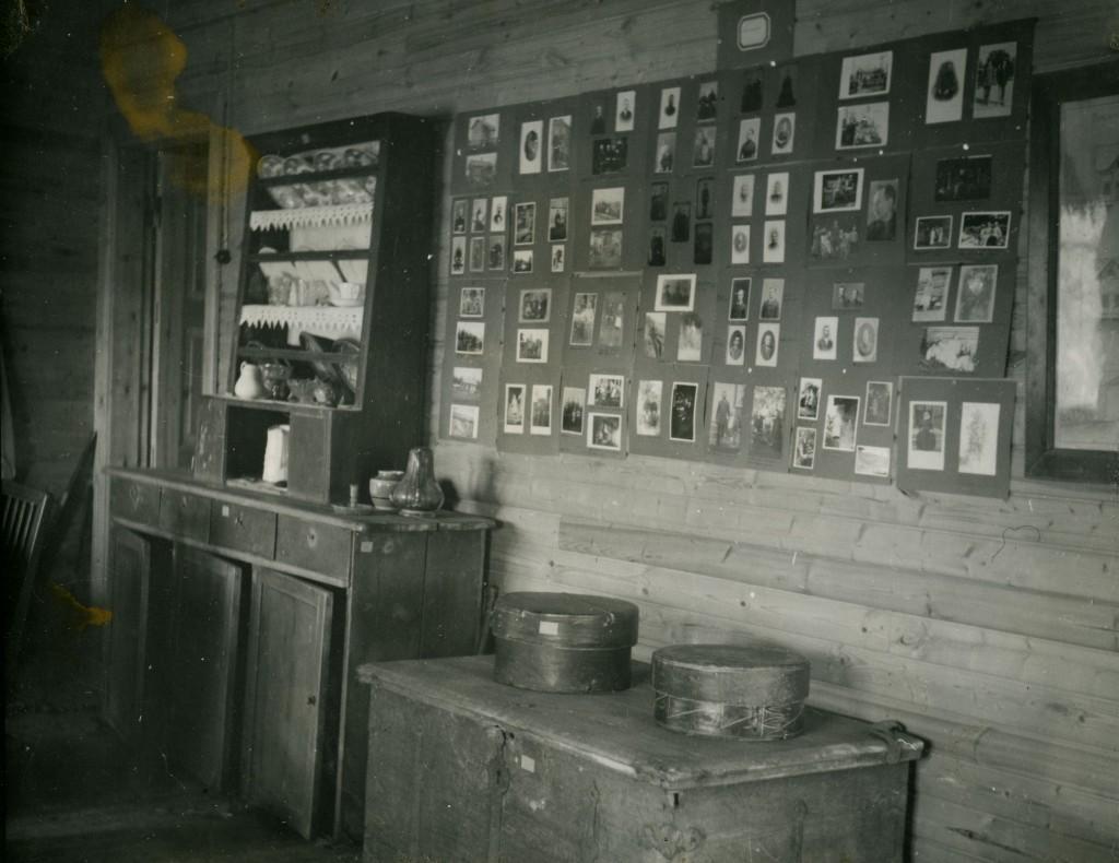 Soihtulan kerho- ja vahtimestarin huoneeseenrakennettiin ensimmäinen museonäyttelytila 1943