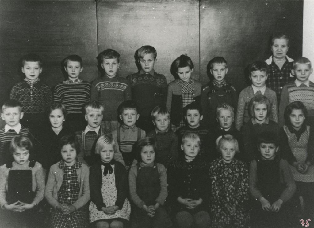 Käkikosken alakoulun luokkakuva 1952